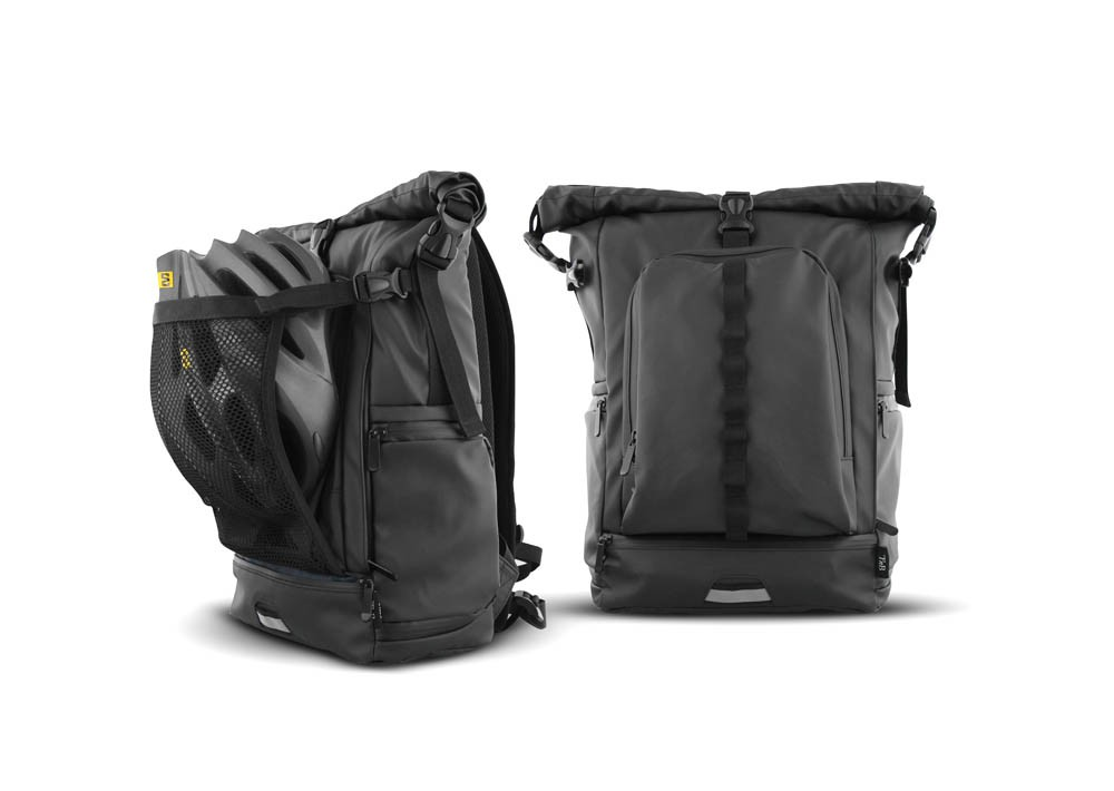UM-WATER RESISTANT BACKPACK
